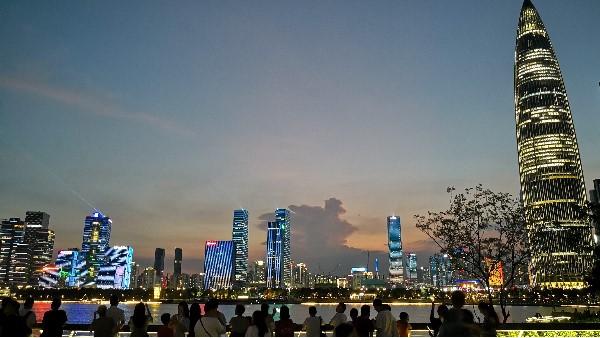 思迪恩深圳湾灯光秀
