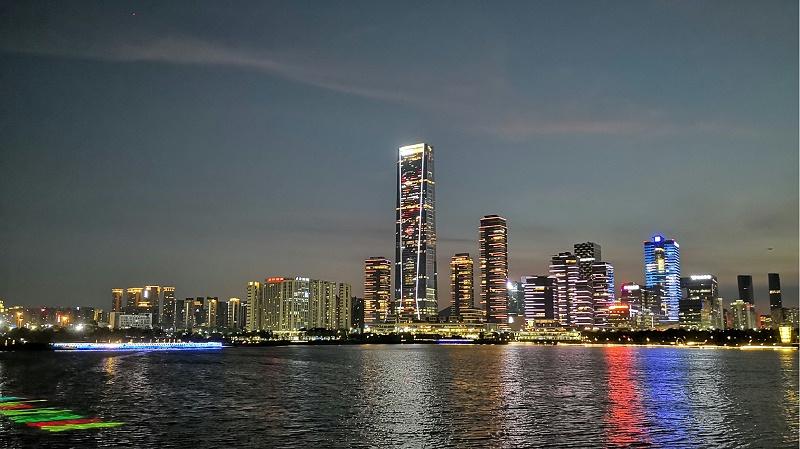 一家专注于夜游亮化灯光秀和个性消费灯光秀的深圳高科技企业